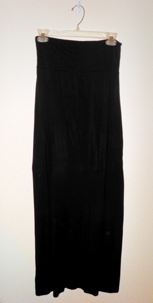 Sizes mall black maxi skirt form target. $9.99